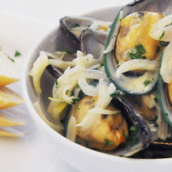 Organic Mussels with White Wine Cream Sauce